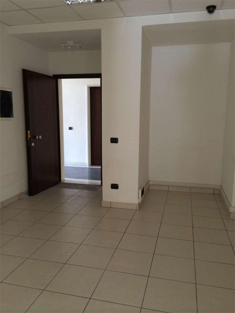 Ufficio / Studio in vendita a Modena, 2 locali, zona Zona: San Faustino, prezzo € 75.000 | CambioCasa.it