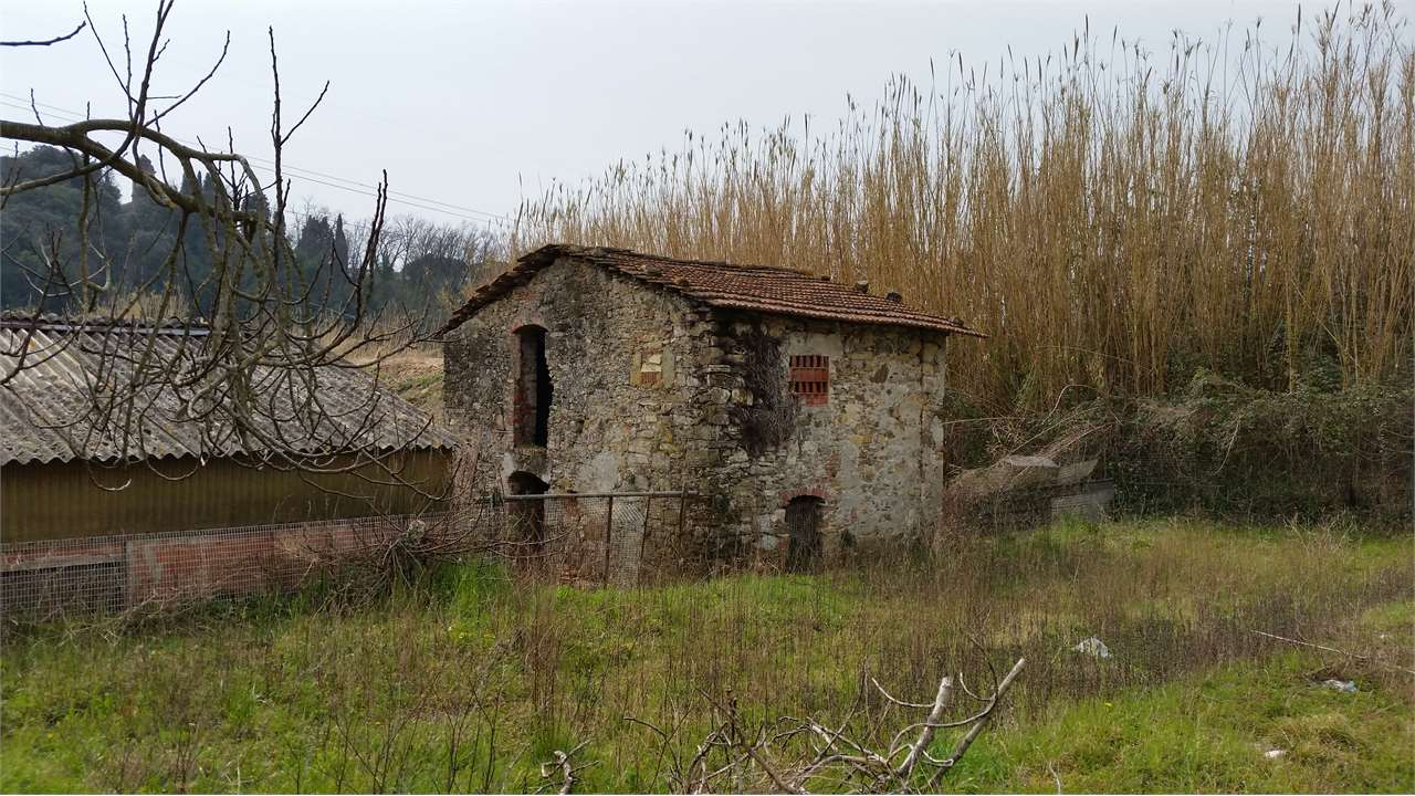Rustico / Casale in vendita a Sarzana, 9999 locali, prezzo € 250.000   CambioCasa.it