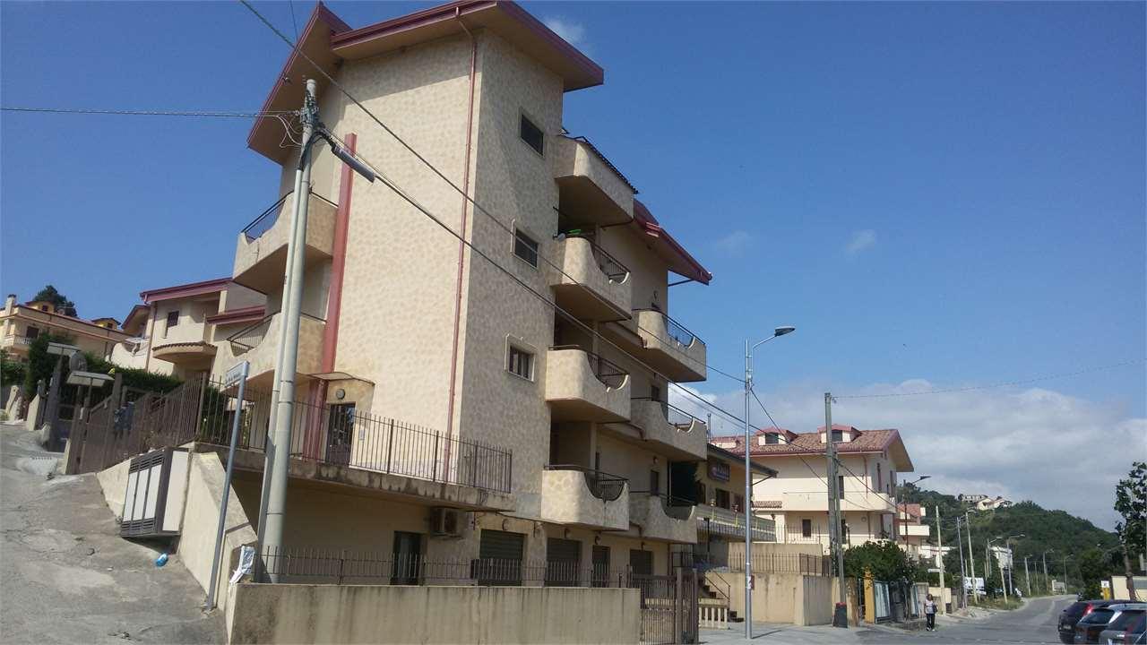 Appartamento in affitto a Settingiano, 4 locali, zona Località: MARTELLETTO, prezzo € 400 | Cambio Casa.it