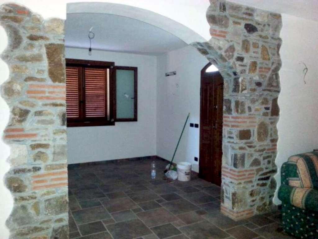 Villa in vendita a Monsummano Terme, 6 locali, prezzo € 680.000 | Cambio Casa.it
