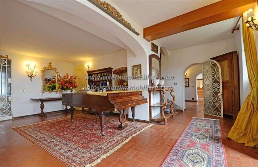 Villa in vendita a Pistoia, 14 locali, zona Zona: Pistoia nord, Trattative riservate | CambioCasa.it