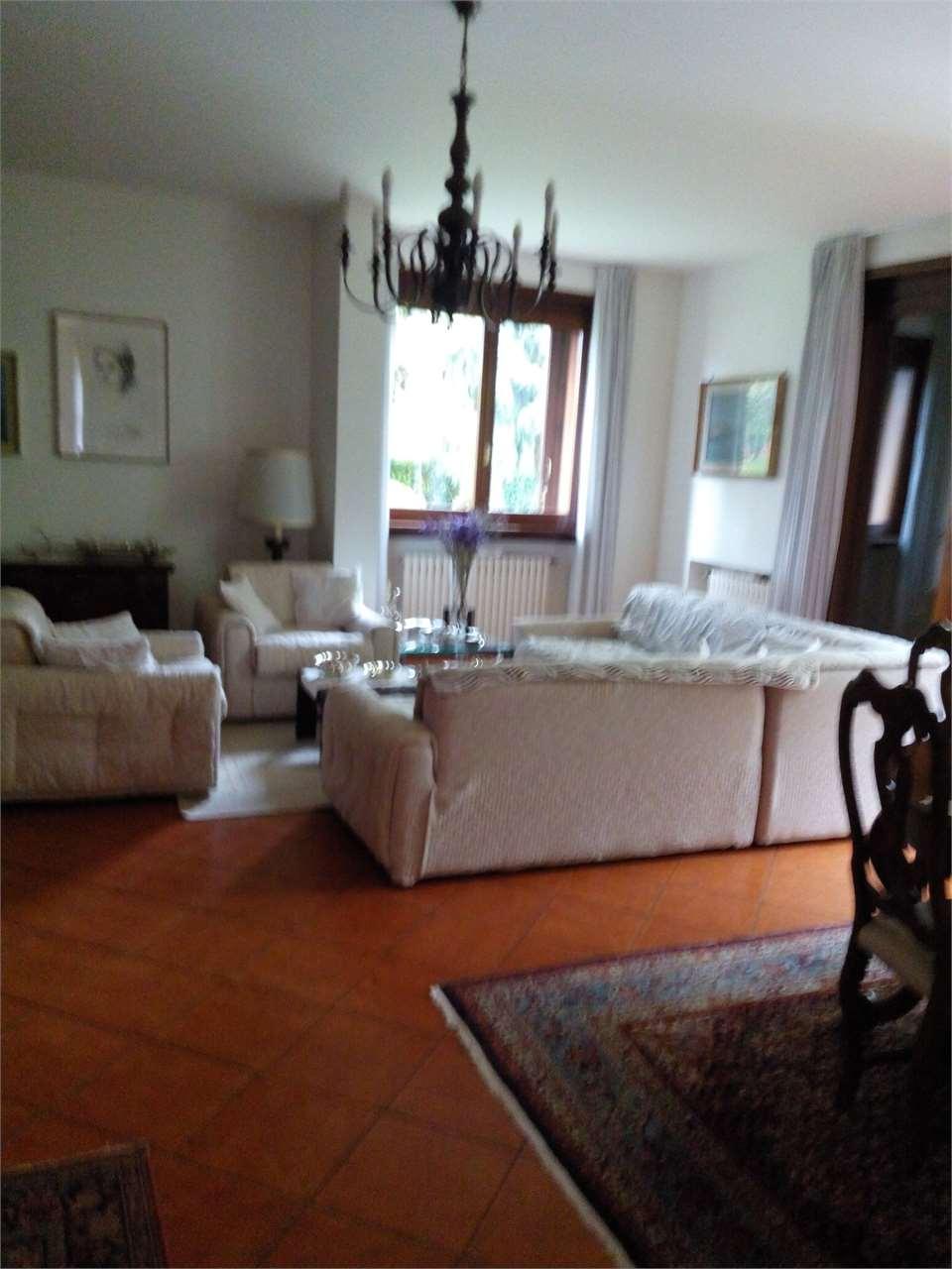 Vendo salotto da giardino : Ville a montebelluna