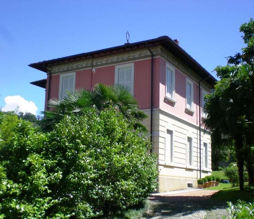 Villa in Vendita a Lavena Ponte Tresa