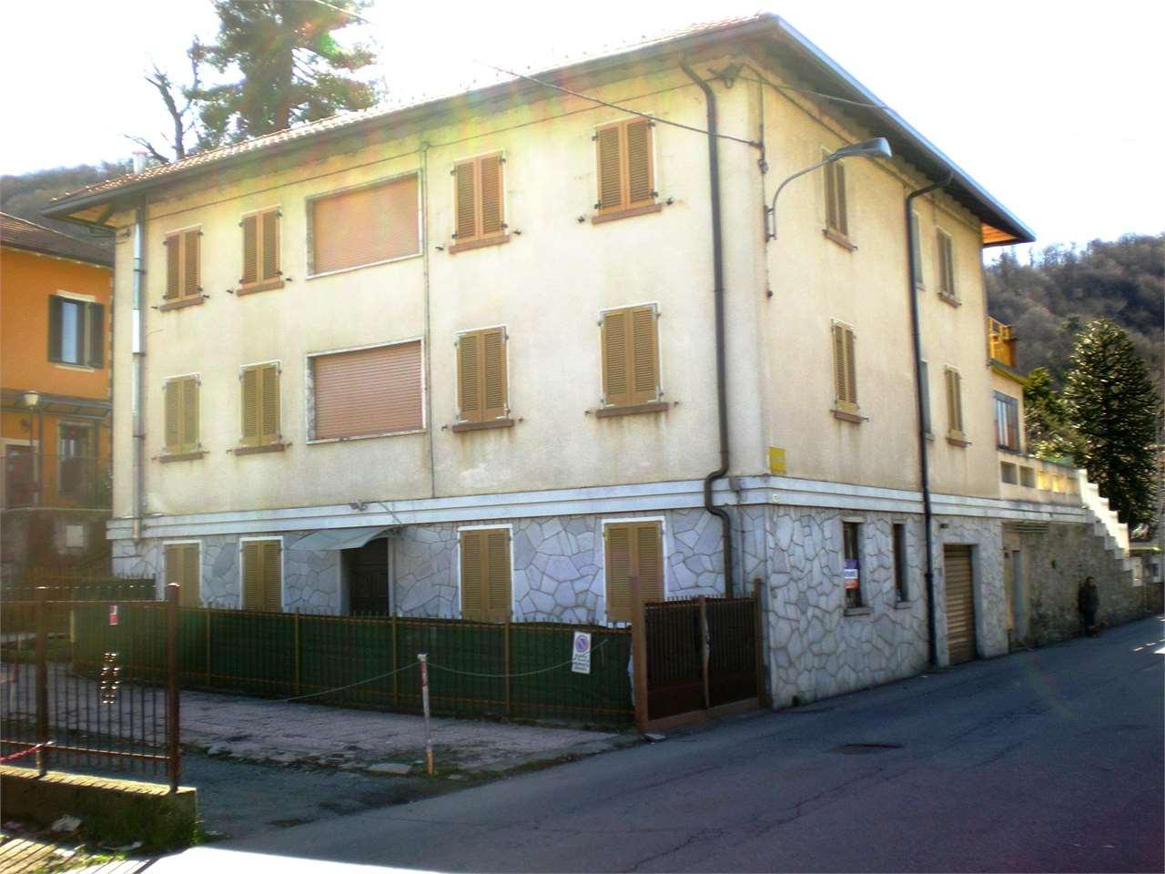 Villa in Vendita a Marchirolo