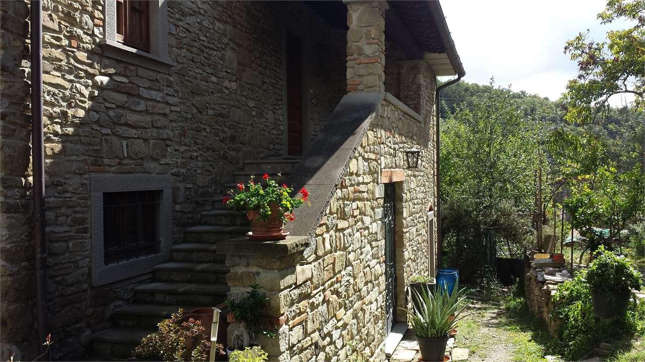 Rustico / Casale in vendita a Capolona, 6 locali, Trattative riservate | Cambio Casa.it