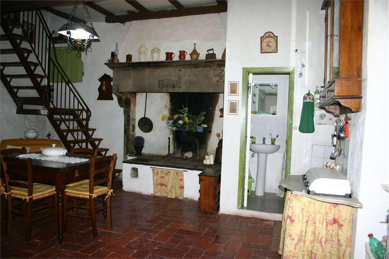 Appartamento in vendita a Subbiano, 5 locali, prezzo € 50.000 | Cambio Casa.it