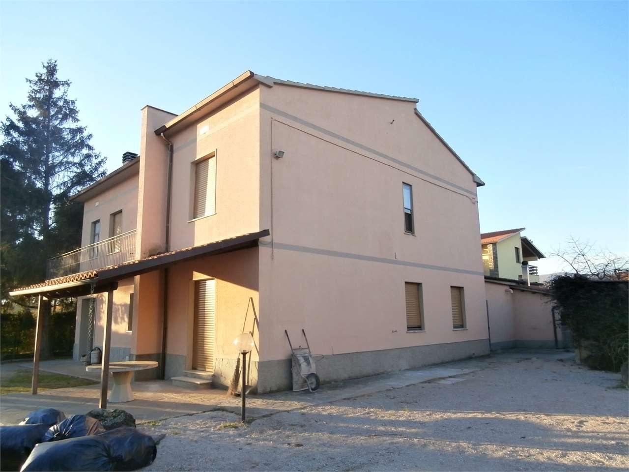 Soluzione Indipendente in vendita a Capolona, 11 locali, prezzo € 350.000 | Cambio Casa.it