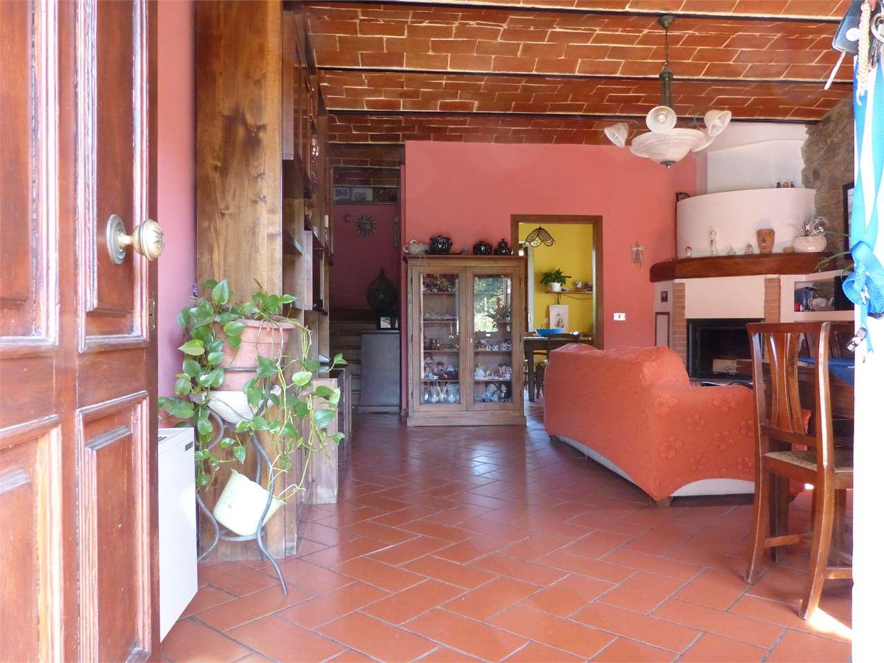 Villa in vendita a Capolona, 5 locali, prezzo € 270.000 | CambioCasa.it
