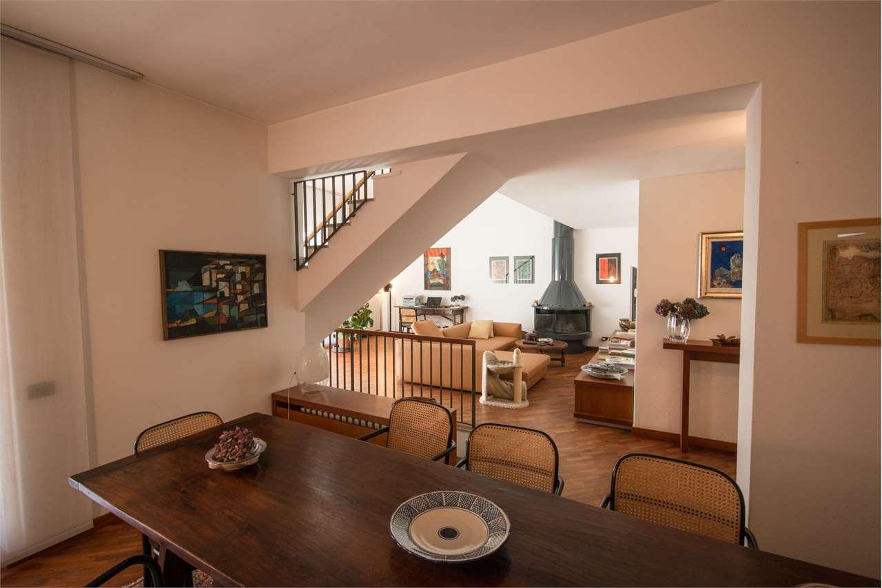Villa in vendita a Guanzate, 11 locali, zona Località: Cinq Fo', prezzo € 1.490.000 | CambioCasa.it