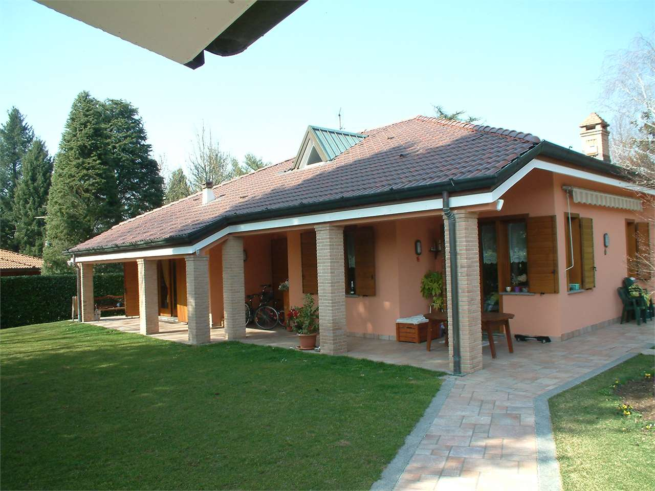Villa in vendita a Guanzate, 9999 locali, prezzo € 660.000 | CambioCasa.it