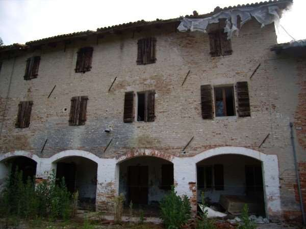 Rustico / Casale in vendita a Oderzo, 10 locali, prezzo € 175.000 | CambioCasa.it