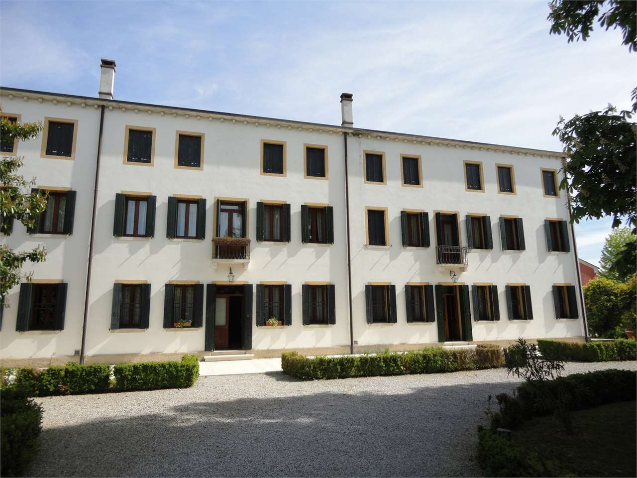 Villa in vendita a Pordenone, 18 locali, Trattative riservate | Cambio Casa.it