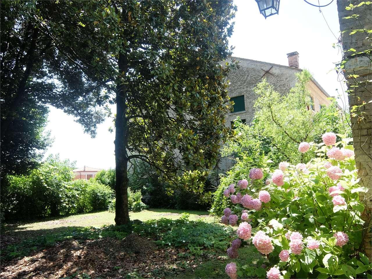 Rustico / Casale in vendita a Venezia, 20 locali, Trattative riservate | Cambio Casa.it