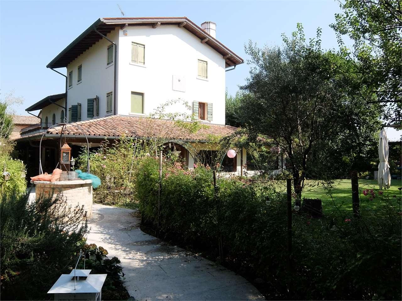 Rustico / Casale in vendita a Oderzo, 10 locali, Trattative riservate | Cambio Casa.it