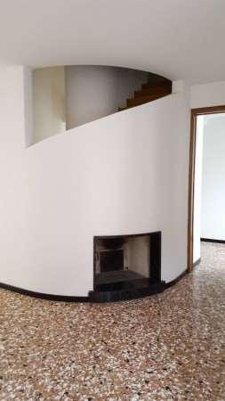 Palazzo / Stabile in Vendita a Oderzo
