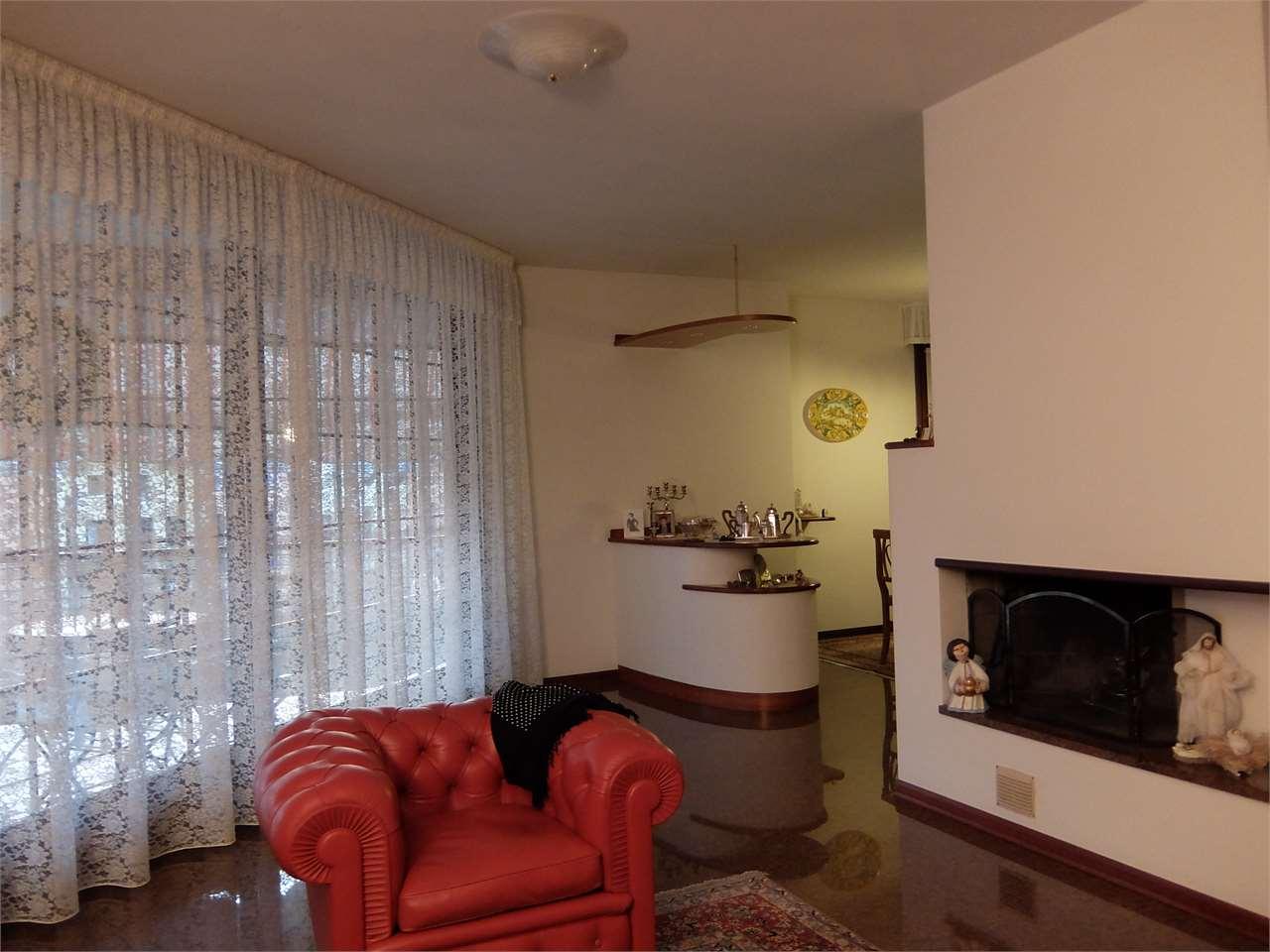 Appartamento in vendita a Chiarano, 5 locali, prezzo € 160.000 | Cambio Casa.it