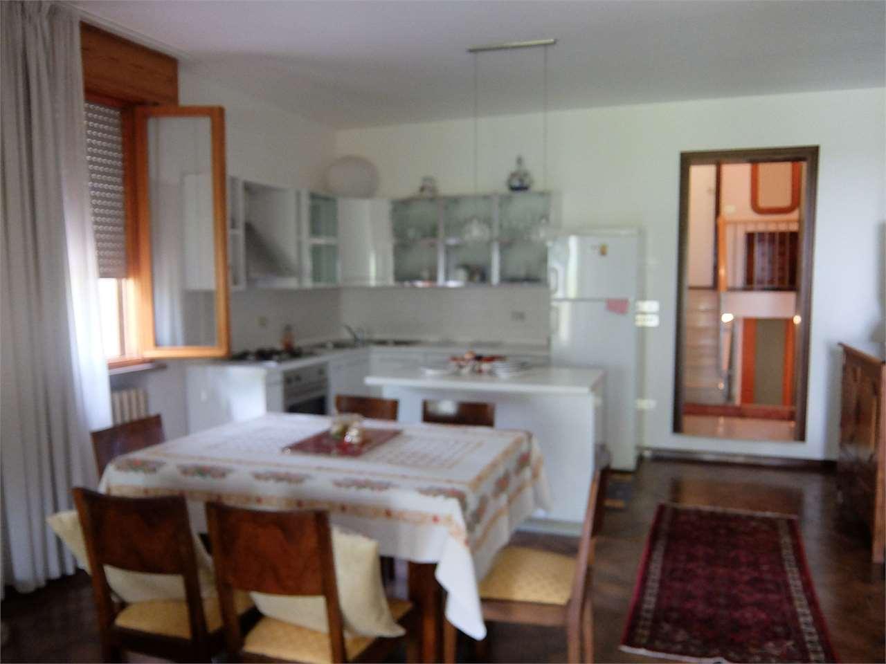 Villa in affitto a Vazzola, 9999 locali, prezzo € 500 | CambioCasa.it