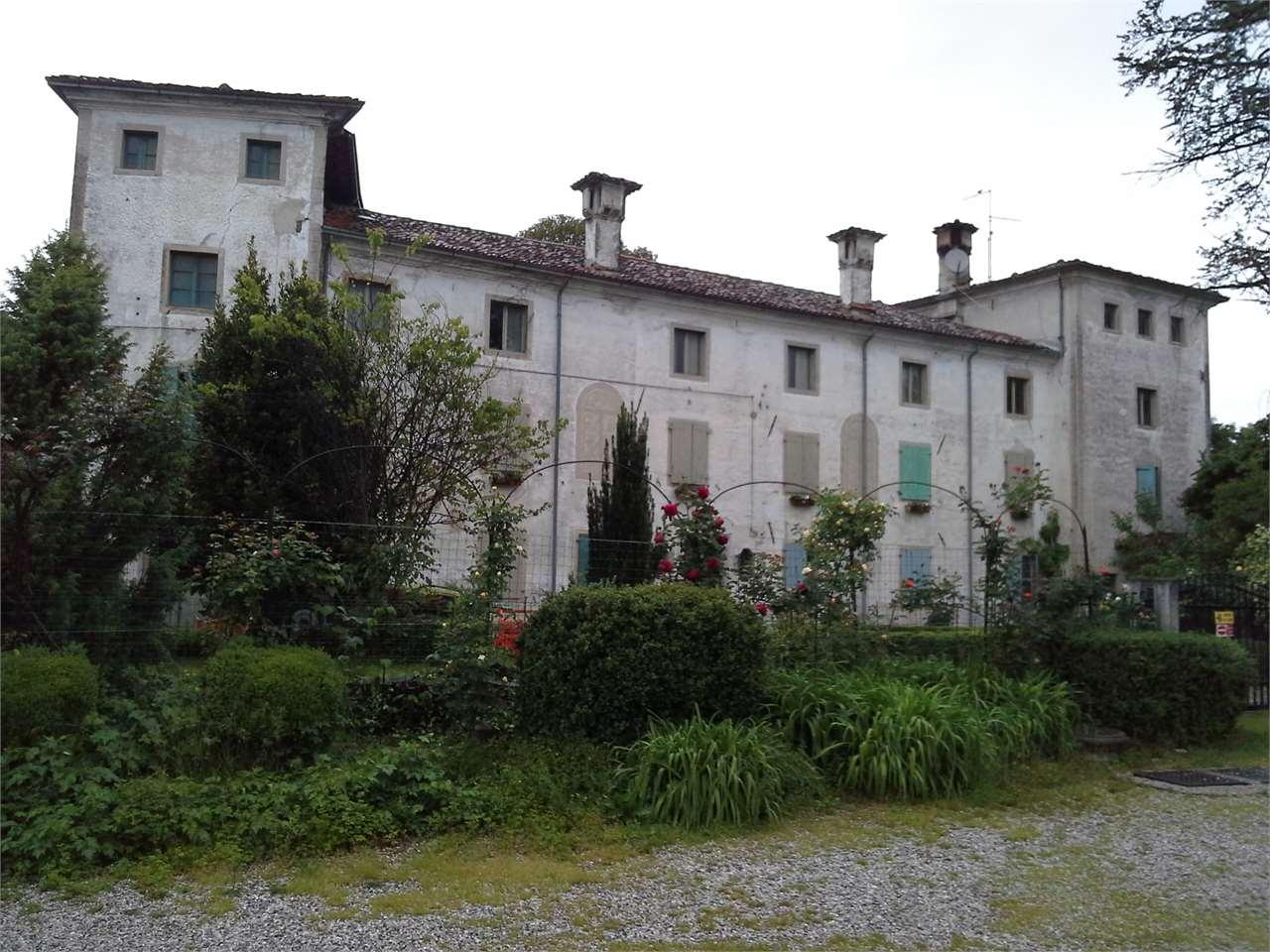 Rustico / Casale in vendita a Pordenone, 9999 locali, prezzo € 515.000 | CambioCasa.it