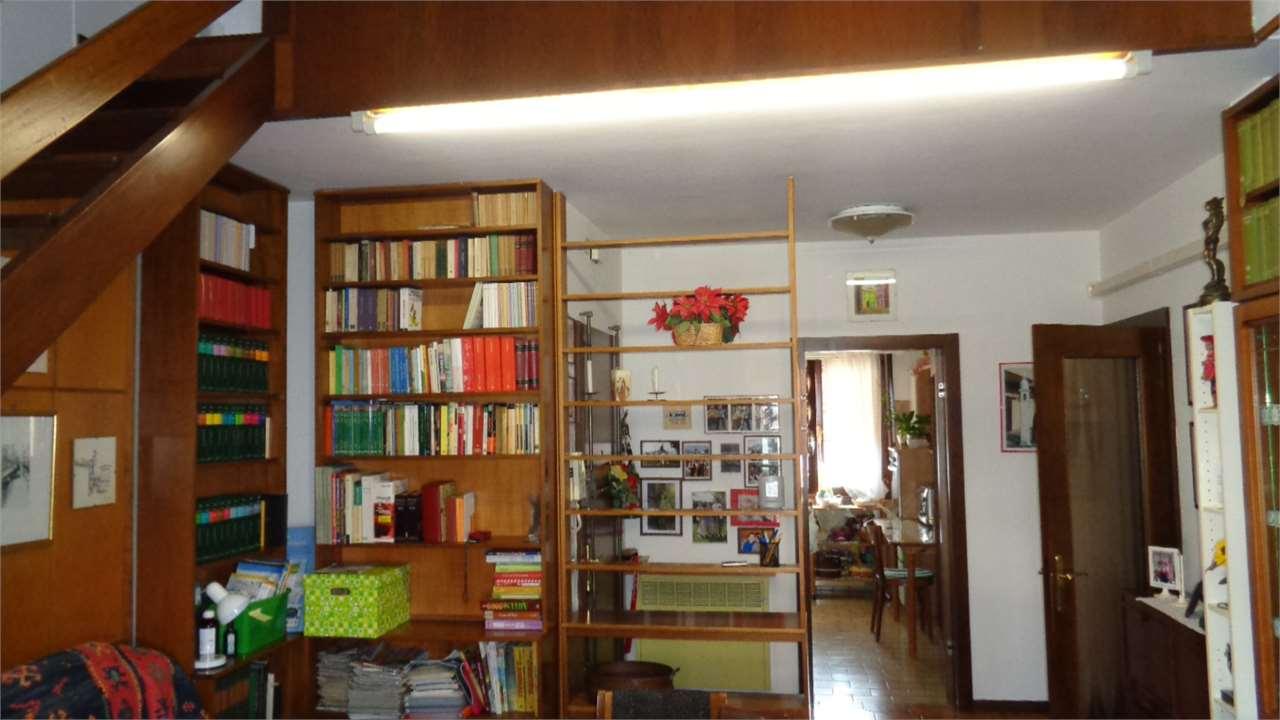 Appartamento in vendita a Salzano, 4 locali, zona Zona: Robegano, prezzo € 135.000 | CambioCasa.it