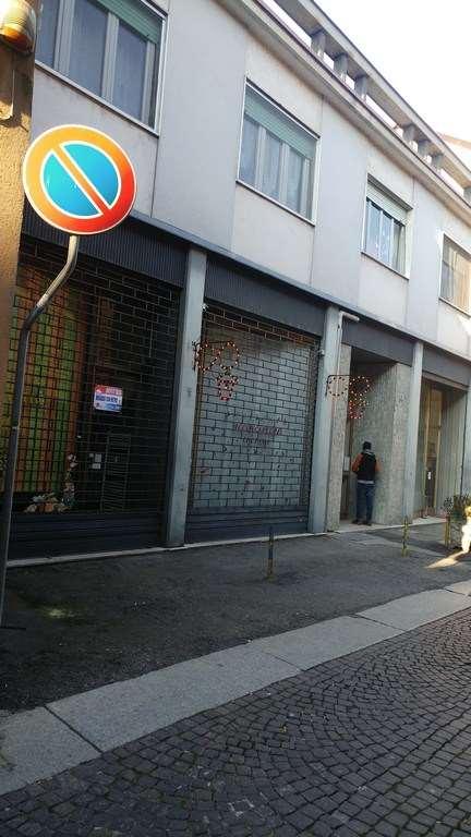 Negozio / Locale in affitto a Mortara, 3 locali, prezzo € 450 | CambioCasa.it