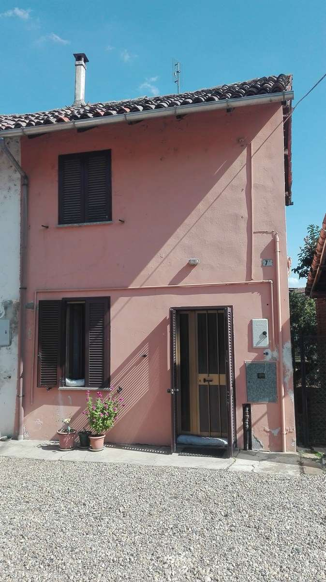 Appartamento in vendita a Mortara, 2 locali, prezzo € 15.000   CambioCasa.it