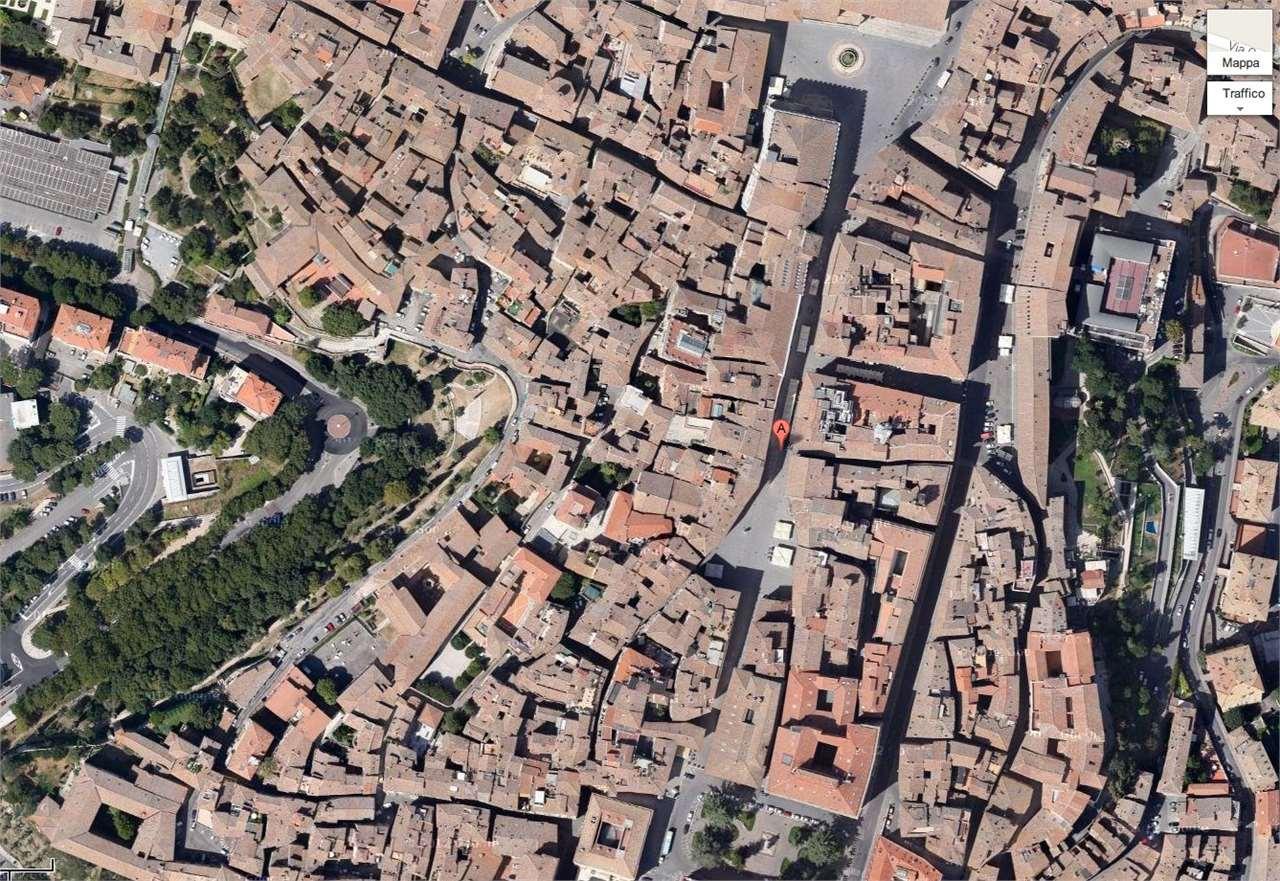 NEGOZIO in Affitto a Centro storico di pregio, Perugia (PERUGIA)