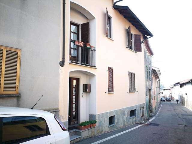 Appartamento in vendita a Grana, 4 locali, prezzo € 30.000 | CambioCasa.it