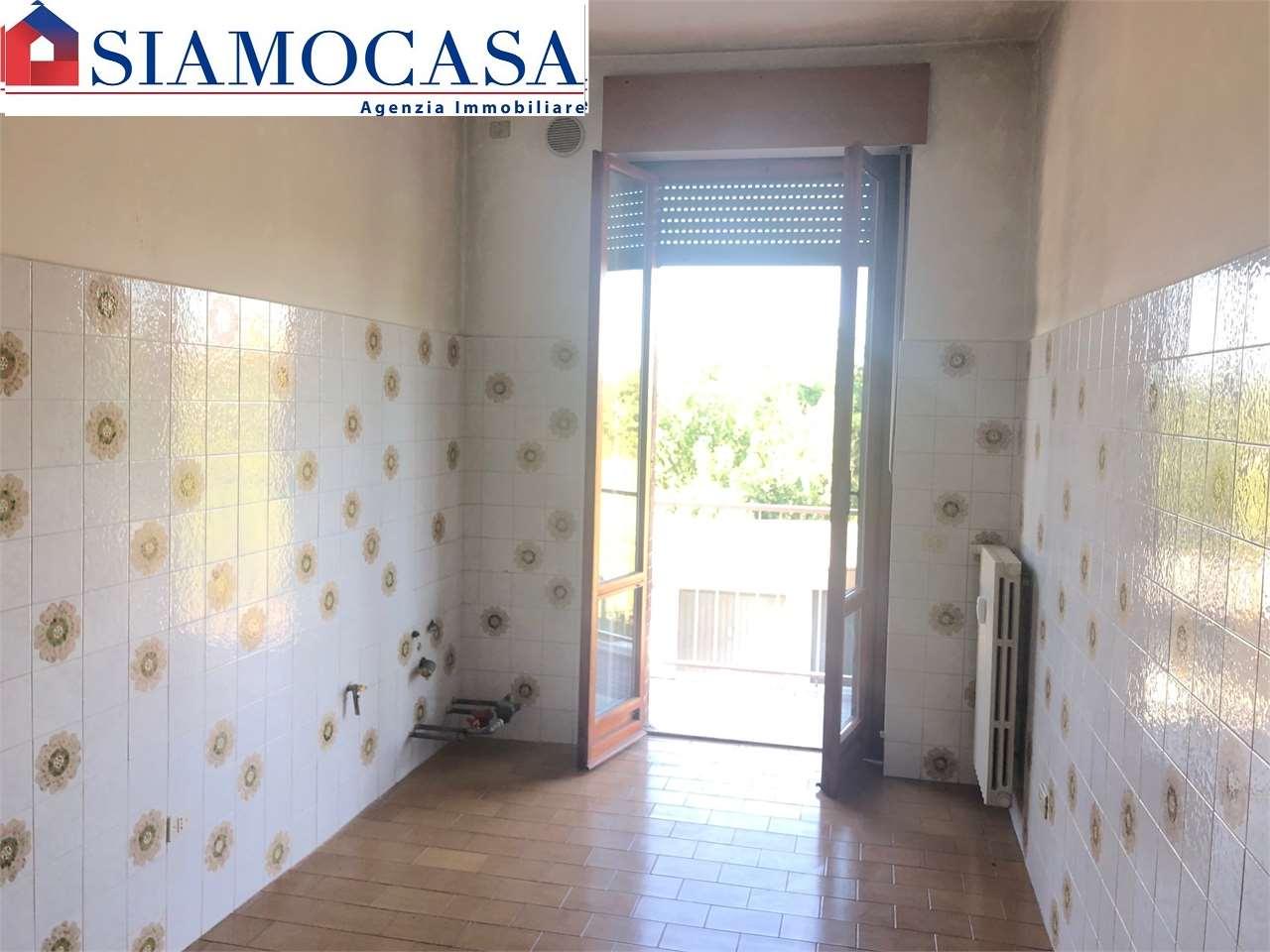 Appartamento in vendita a Alessandria, 3 locali, zona Località: San Michele, prezzo € 80.000 | CambioCasa.it