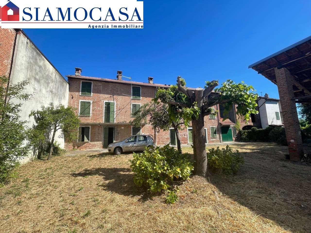 Villa in vendita a Castelnuovo Bormida, 12 locali, prezzo € 49.000   CambioCasa.it