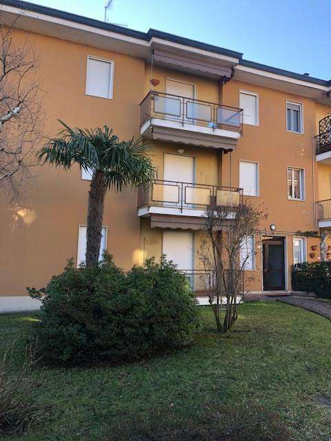 Appartamento in vendita a Lipomo, 3 locali, prezzo € 109.000 | PortaleAgenzieImmobiliari.it