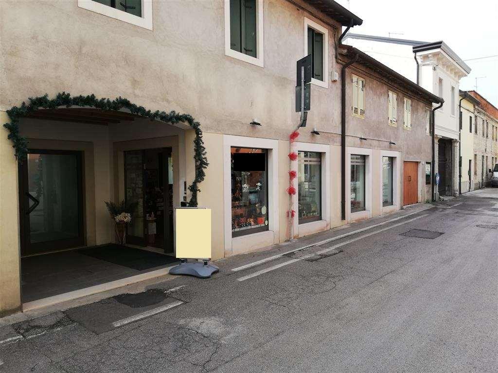 Negozio / Locale in vendita a Lonigo, 2 locali, prezzo € 130.000 | CambioCasa.it