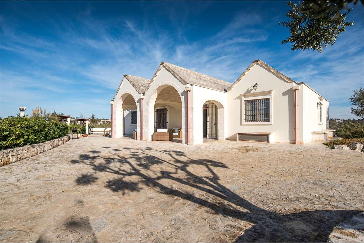 Villa Giulietta with pool for sale - Itria Valley