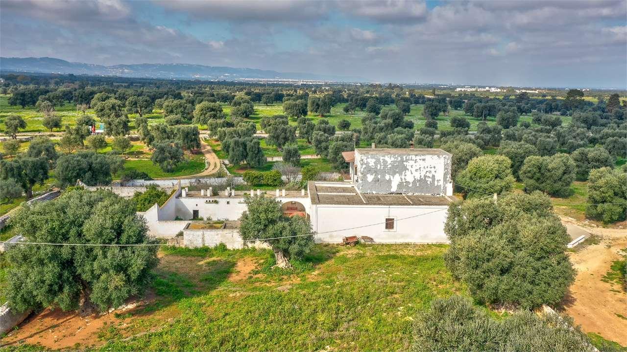 Masseria Farmhouse Pergola