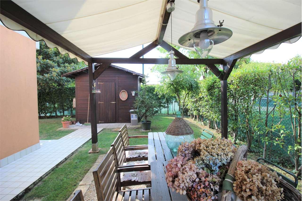 Villa in vendita a Venezia, 7 locali, zona Località: Zelarino, prezzo € 282.000 | CambioCasa.it