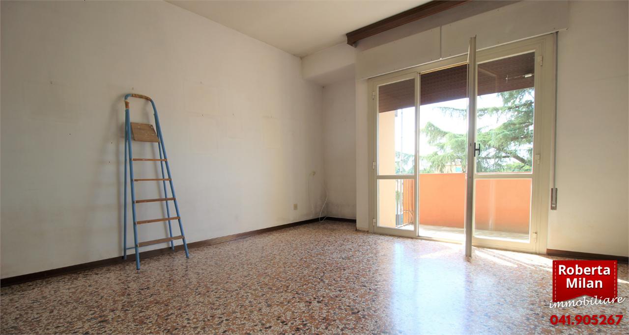 Appartamento in vendita a Mogliano Veneto, 4 locali, prezzo € 85.000 | CambioCasa.it