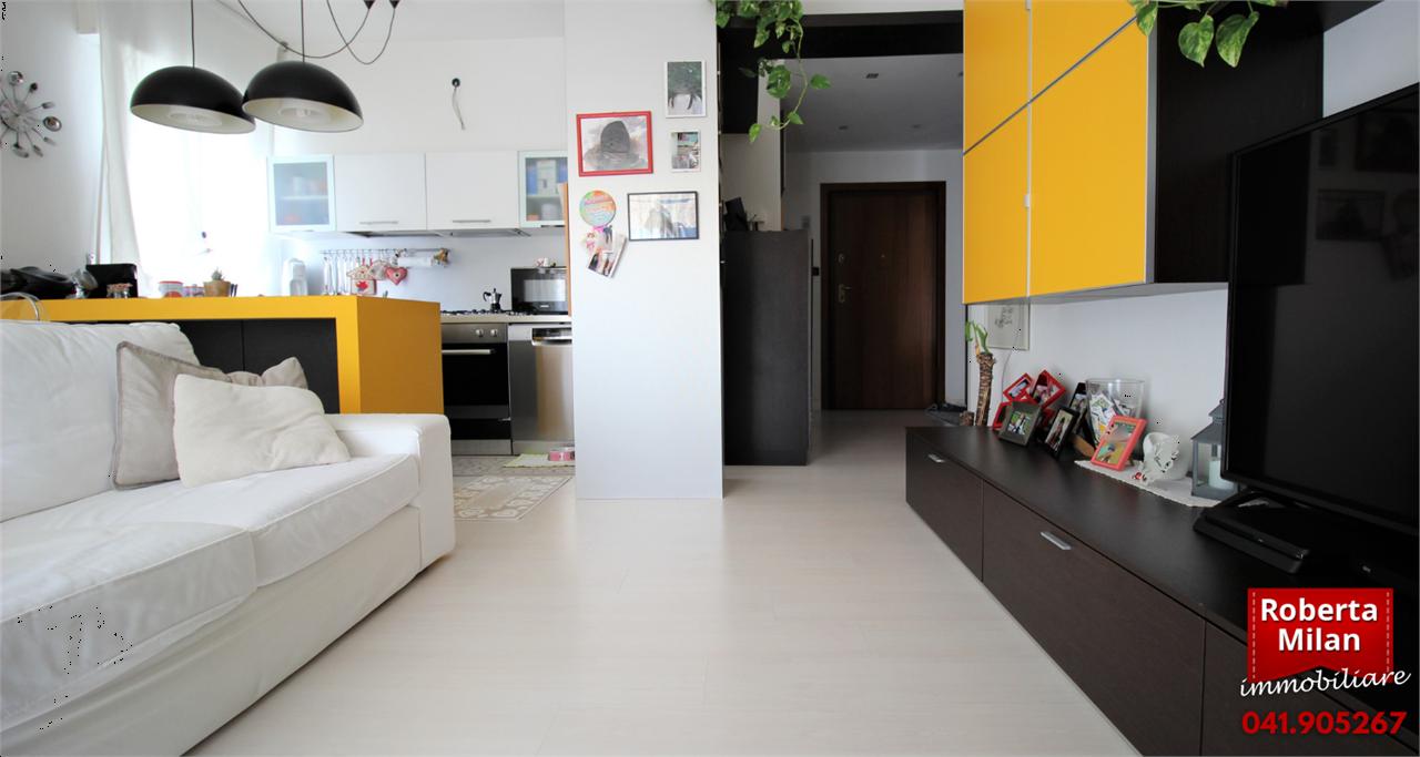 Appartamento in vendita a Venezia, 3 locali, zona Località: Zelarino, prezzo € 129.000 | CambioCasa.it