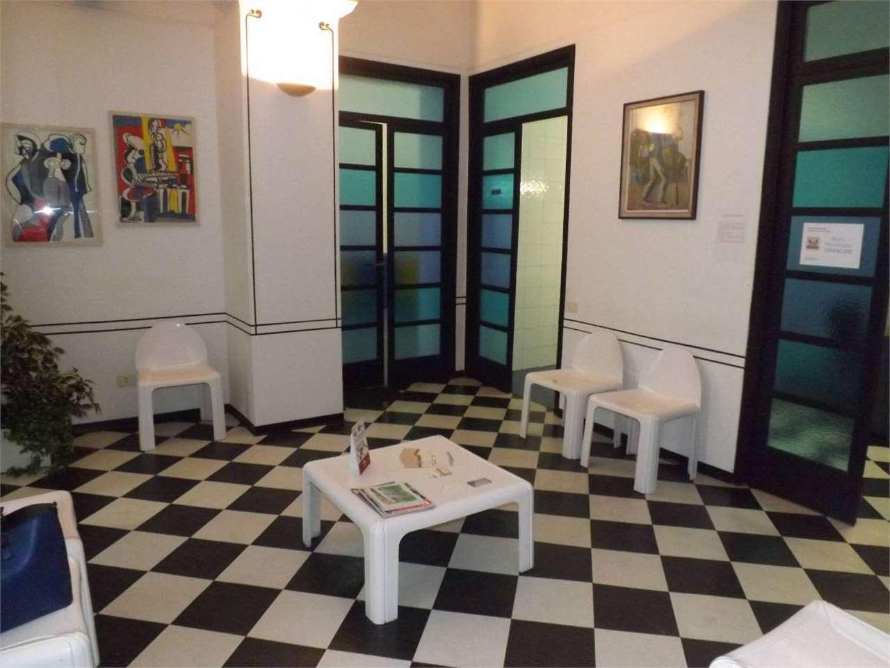 Ufficio / Studio in affitto a Alessandria, 5 locali, zona ro-P.tta della Lega, prezzo € 150 | PortaleAgenzieImmobiliari.it