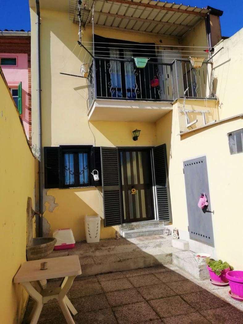 Villa in vendita a Montecastello, 5 locali, prezzo € 37.000 | PortaleAgenzieImmobiliari.it