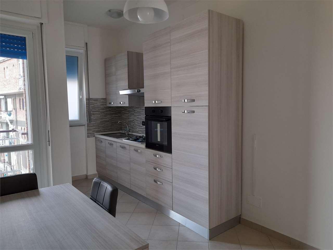 Appartamento in affitto a Alessandria, 3 locali, zona ro-P.zza Matteotti, prezzo € 460 | PortaleAgenzieImmobiliari.it