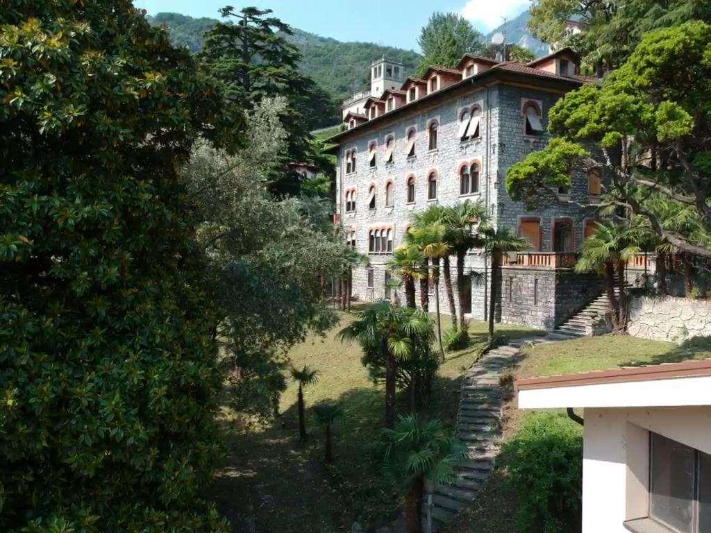 Villa Eva : Mansarda vista lago Gallery
