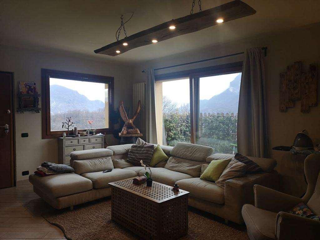 Appartamento in villa bifamiliare Gallery