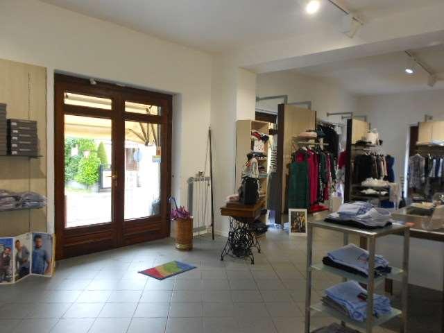 Abbigliamento Negozio in vendita - 140 mq