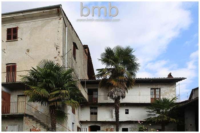 Appartamento in vendita a Azeglio, 13 locali, prezzo € 85.000 | CambioCasa.it