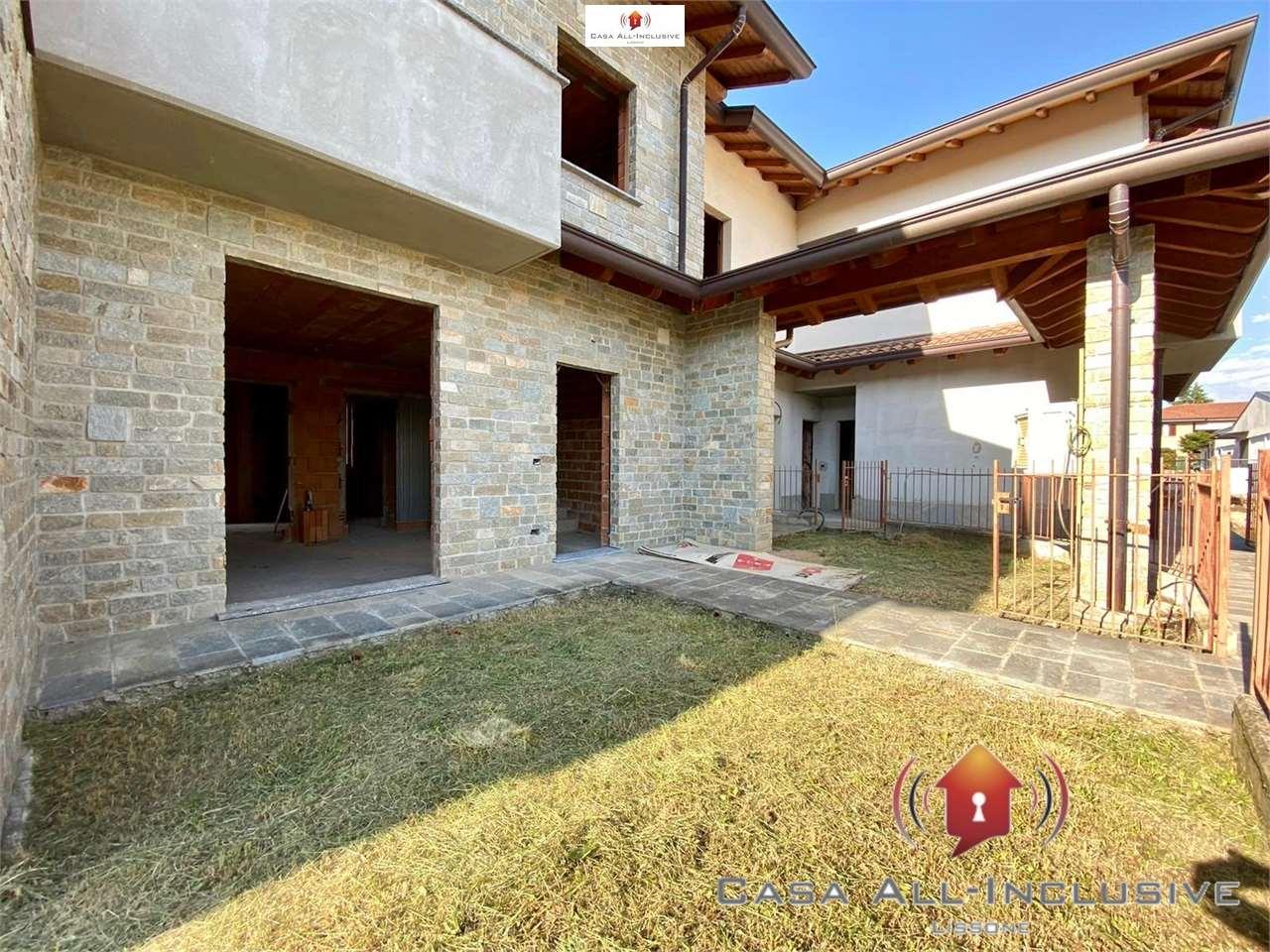 Vendita Quadrilocale Appartamento Arosio 207359
