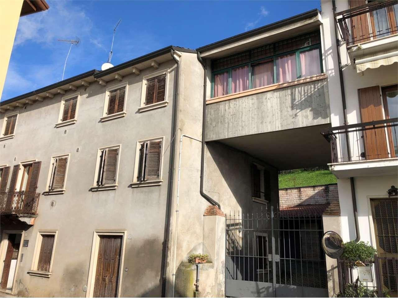 Palazzo / Stabile in Vendita a Badia Calavena