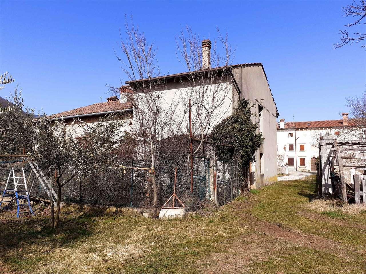 Appartamento in vendita a Tregnago, 5 locali, zona Zona: Cogollo, prezzo € 79.000 | CambioCasa.it