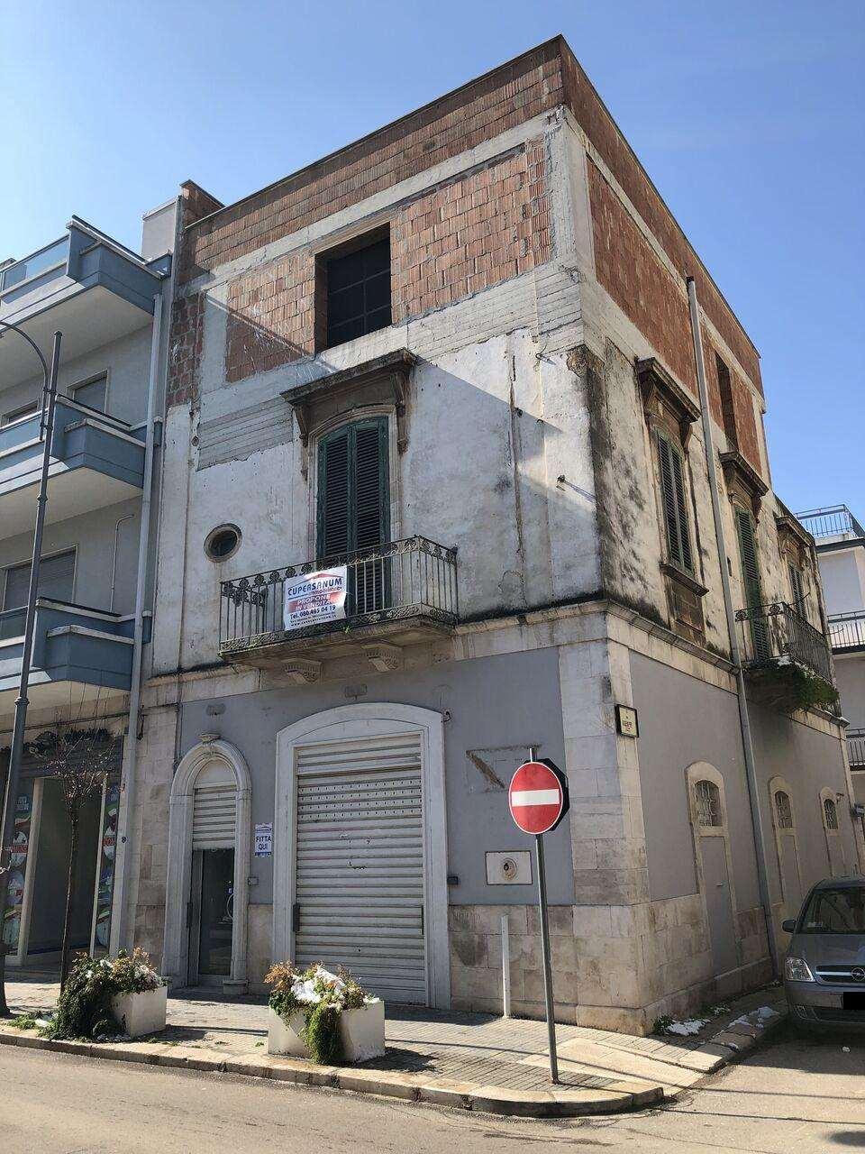 Negozio / Locale in affitto a Conversano, 2 locali, prezzo € 800 | CambioCasa.it