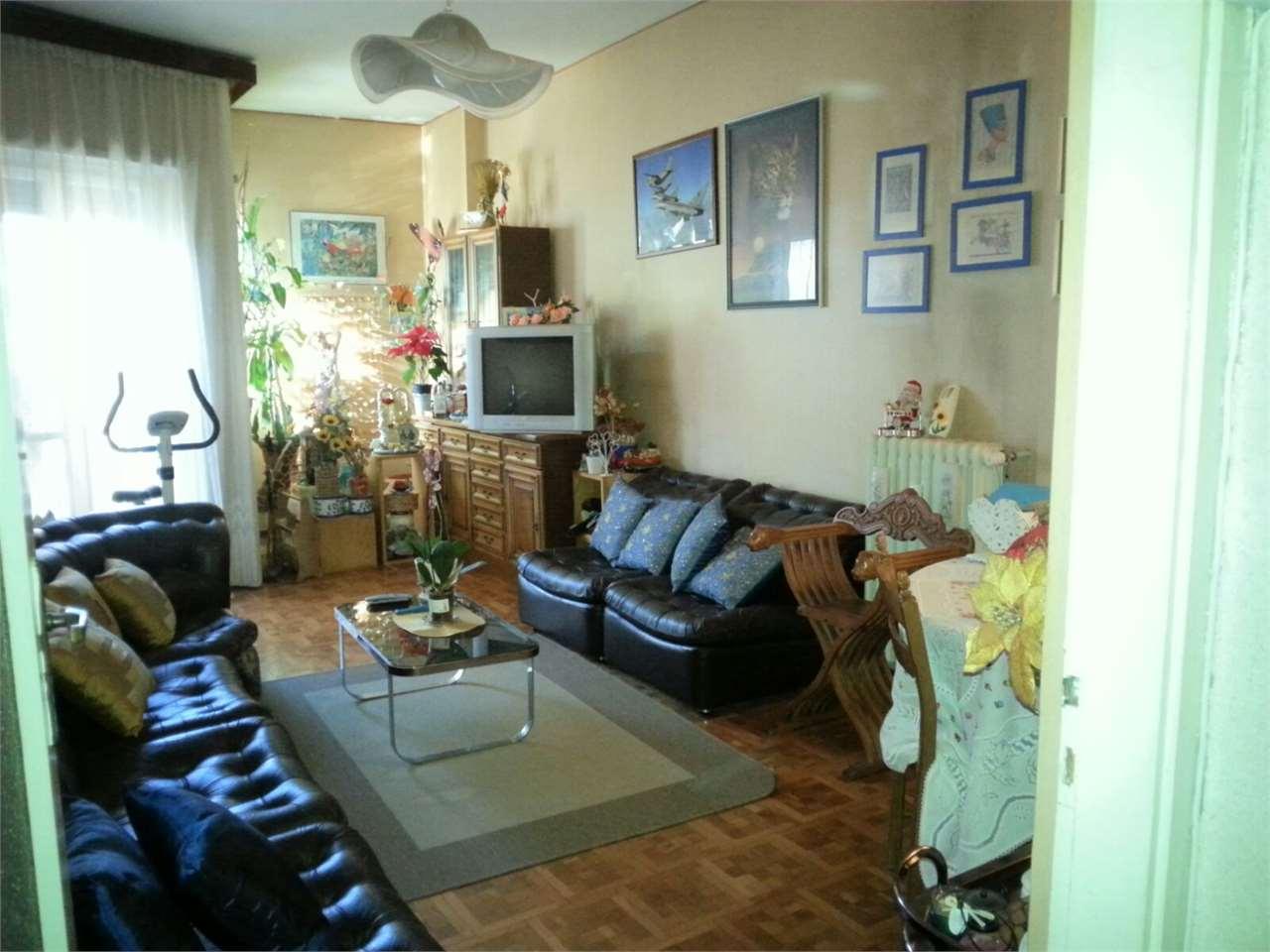 Appartamento in vendita a Balangero, 3 locali, prezzo € 55.000   CambioCasa.it