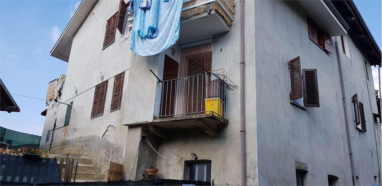 Appartamento in vendita a Rocca Canavese, 3 locali, prezzo € 35.000 | CambioCasa.it