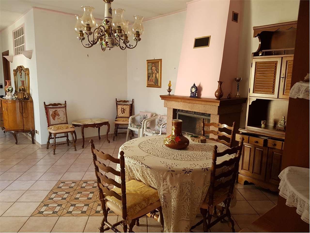 Appartamento in vendita a Fiano, 4 locali, prezzo € 105.000 | CambioCasa.it